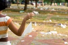 Poluição do desperdício dos povos Fotos de Stock Royalty Free