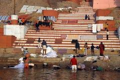 Poluição no rio de Ganges Imagem de Stock Royalty Free