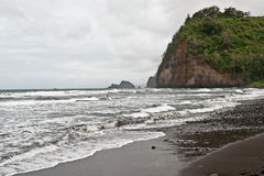 Polulu在大海岛的谷海滩在夏威夷 库存照片