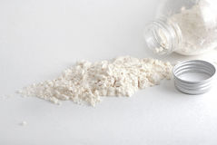 Polvere bianca dal vaso Fotografia Stock Libera da Diritti