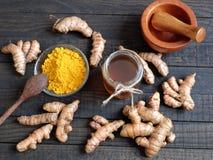 Polvere della curcuma, miele, alimento sano, cosmetico Fotografia Stock Libera da Diritti