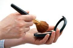 Polvere e spazzola cosmetiche Immagini Stock Libere da Diritti