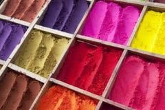 Polvere nepalese di Tikka in vari colori Fotografia Stock Libera da Diritti
