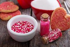Polvilha e cookies para o dia de Valentim Imagem de Stock Royalty Free