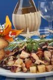 Polvo com batatas e azeitonas ao piñata Imagens de Stock Royalty Free