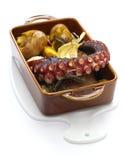 Polvo grelhado com batatas, culinária portuguesa Fotos de Stock