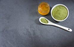 Polvo y aceite orgánico de Moringa Imagen de archivo libre de regalías