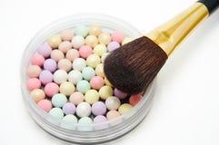 Polvo y cepillo de cara Foto de archivo libre de regalías