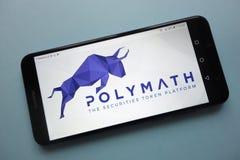 POLY cryptocurrencylogo för Polymath som visas på smartphonen royaltyfri bild