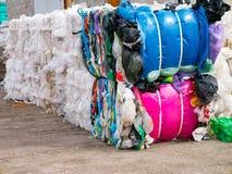 Polyethyleen verpakking voor recyclingsverwerking met het vastbinden Royalty-vrije Stock Afbeelding