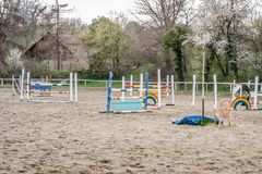 Polygon barriers to competition in equestrian sport
