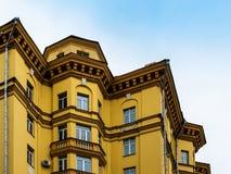 Polygonal hus Arkivfoton