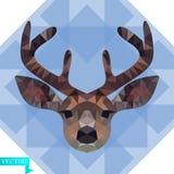 Polygonal huvud av en ung hjort i färg Mot bakgrunden av blått genomskinliga trianglar vektor illustrationer