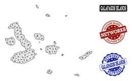 Polygonal nätverk Mesh Vector Map av Galapagos öar och nätverksGrungestämplar vektor illustrationer