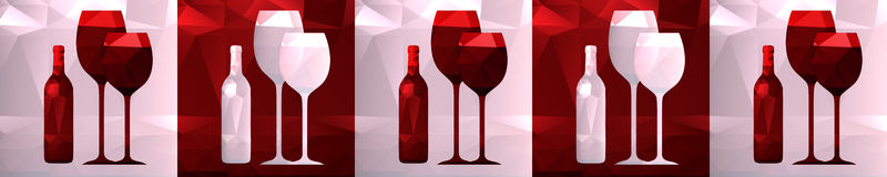 Polygonale Flasche Skinali und Gläser, Möbelküchendekoration Stockfotografie
