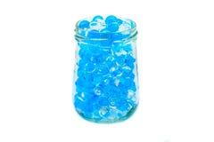 Polymern stelnar Stelna bollar bollar av blå och genomskinlig hydrogel, Arkivbilder