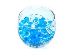 Polymern stelnar Stelna bollar bollar av blå och genomskinlig hydrogel, Fotografering för Bildbyråer