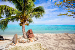 Polynesian statue on the beach Royalty Free Stock Photography