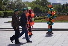 Polytechfestival in het park van Gorky, Moskou De actoren stellen voor foto's Stock Fotografie