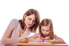 pomóż matce córkę fotografia stock