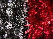 Pom Pom Brushes decorativo do preto, o branco e o vermelho para o festival fotografia de stock