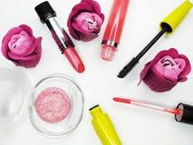 Pomadki oka cieni lipgloss tusz do rzęs grupy ustalony kosmetyk dla mak obrazy stock