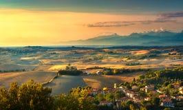 Pomaia, tuscany bygdpanorama, Rolling Hills och fältnolla arkivbild