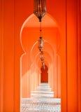 Pomarańcze łękowaty drzwi zdjęcia royalty free
