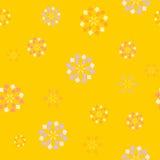 Pomarańcze, błękit, czerwień kwitnie bezszwowego wzór na żółtym tle Obraz Royalty Free