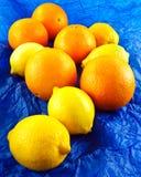 Pomarańcze i cytryny Zdjęcia Stock