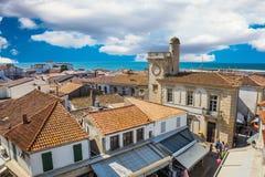 Pomarańcze i kolory żółci taflujący dachy Provence Zdjęcie Royalty Free