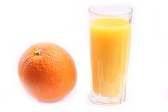 Pomarańcze i soku pomarańczowego szkło Fotografia Royalty Free
