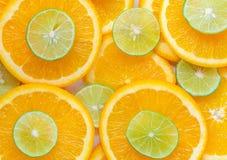Pomarańcze I wapno Pokrajać Abstrakcjonistycznego Bezszwowego wzór, soczysty tło fotografia stock