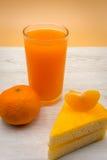 Pomarańcze tort z świeżym sokiem pomarańczowym Obraz Stock