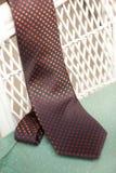 Pomarańczowa i czarna polka kropkujący krawat Zdjęcie Stock