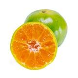 Pomarańczowa owoc z przyrodnim widokiem odizolowywającym na białym tle Obraz Royalty Free
