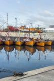 Pomarańczowe łodzie rybackie w Mar Del Plata, Argentyna Obrazy Stock