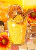 Pomarańczowe kąpielowe sole zdjęcia stock