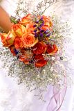 Pomarańczowe róże poślubia bukiet Obrazy Royalty Free
