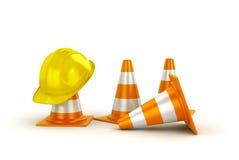 Pomarańczowi ruchów drogowych rożki i żółty zbawczy hełm, Obrazy Royalty Free