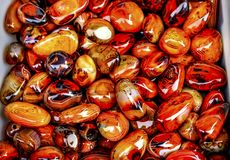 Pomarańczowy Brown agata koralików kamieni Panjuan Żółty pchli targ Beij Obraz Stock