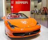 Pomarańczowy Ferrari 458 pająka samochód Fotografia Stock
