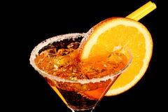 Pomarańczowy Margareta świeży koktajl odizolowywający na czerni obrazy royalty free