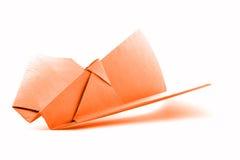 Pomarańczowy origami lotnictwo, papieru samolotu model odizolowywający na białym tle Zdjęcia Royalty Free