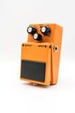Pomarańczowy rocznik gitary następ na bielu Obraz Royalty Free