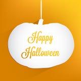 Pomarańczowy tło z papierową białą banią i wpisowym Szczęśliwym Halloween Zdjęcie Stock