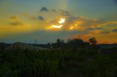 Pomarańczowy zmierzchu widok od kopalni z wysokim kontrastem o zdjęcie stock