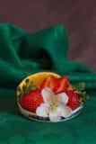 pomarańcz deserowe truskawki Fotografia Stock