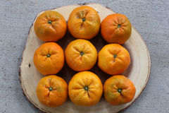 Pomarańcze na drewnie Fotografia Royalty Free