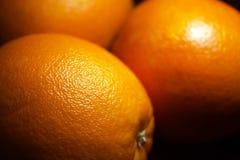 Pomarańcze na stole Zdjęcia Stock